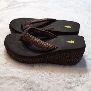 Volatile flip flops size 9